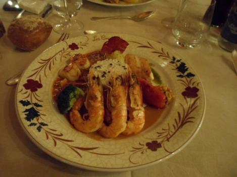 Trilogie de filet  de Saint –Pierre  crevettes de Madagascar et Saint -Jacques  les  cornettes