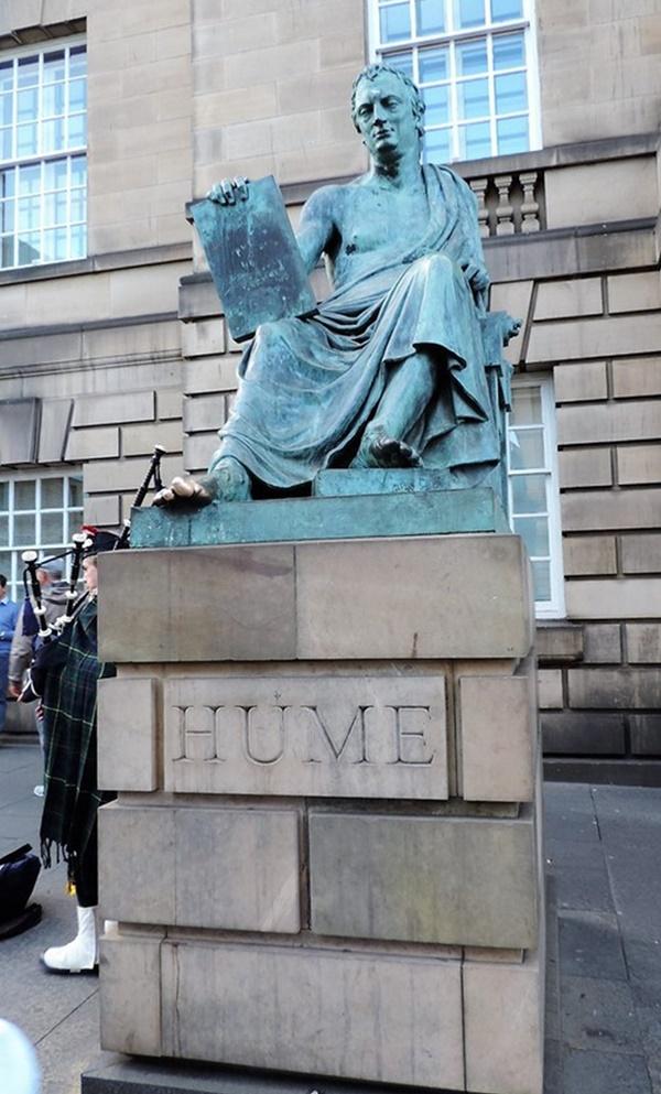 Statue de david hume